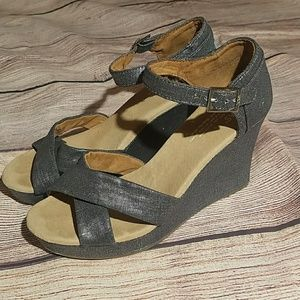 Toms Metallic Strappy Wedge Size 8.5